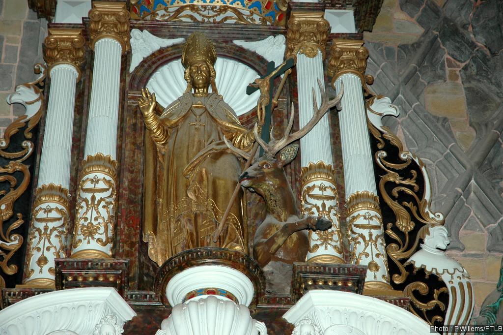 autel dans la basilique